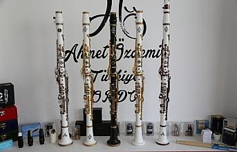 Üç kardeşin ürettiği taş klarnetler yoğun ilgi...
