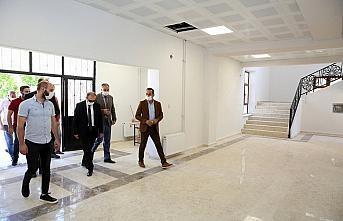 Vali Epcim, tarihi Bayburt Lisesi binasında incelemede bulundu