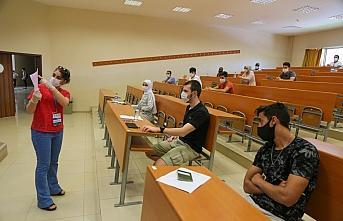 Yabancı öğrenciler KBÜ'lü olmak için yarıştı