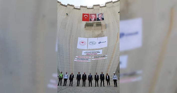 Yusufeli Barajı 3 milyonuncu beton döküm töreni