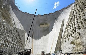 Yusufeli Barajı'nın gövde yüksekliğinde 214 metreye...