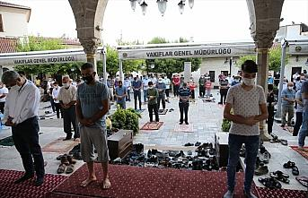 Adana, Mersin, Hatay ve Osmaniye'de bayram namazı...