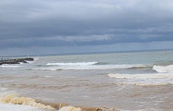 Akçakoca'da sağanağın ardından denizin rengi...