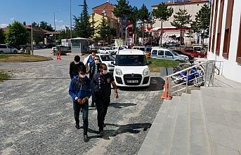 Amasya'da trafik lambası çalan 2 şüpheli gözaltına...