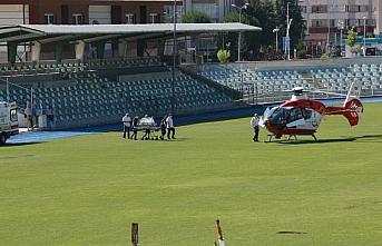 Ambulans helikopter 7 günlük bebek için havalandı
