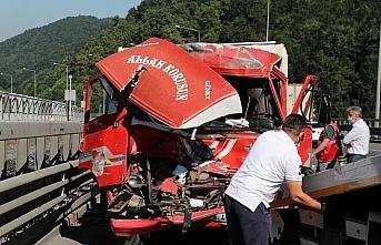 Anadolu Otoyolu'nda kaza yapan kamyonun sürücüsü...