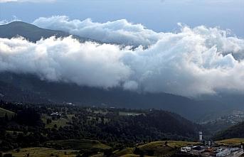 Ardahan ve Arvtin'de yoğun sis görsel şölene dönüştü