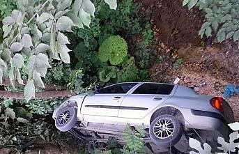 Düzce'de köprüden düşen otomobildeki 5 kişi yaralandı