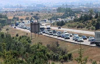 Gerede-Karadeniz Bağlantı Yolu'nda uzun araç kuyruğu...