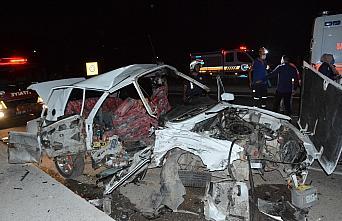 Gümüşhane'de iki otomobil çarpıştı: 5 yaralı