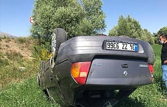 Gümüşhane'de otomobil şarampole yuvarlandı: 1 ölü, 1 yaralı
