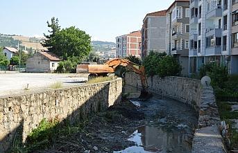 Havza'da Hacı Osman Deresi'nde ıslah ve temizlik çalışması yapılıyor