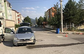 Karabük'te otomobille çarpışan hafif ticari araç...