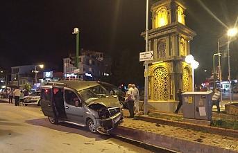 Kastamonu'da iki hafif ticari araç çarpıştı:...