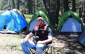 Motosikletlilerin Fındıklı Yaylası'ndaki kampı...