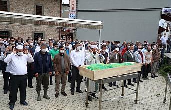Rize'de sele kapılarak ölen kişi toprağa verildi