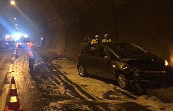 Rize'de tünelde meydana gelen zincirleme trafik kazasında...