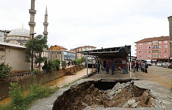 Rize'deki şiddetli yağışın ardından hasar tespit...