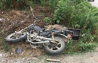 Samsun'da minibüs ile motosiklet çarpıştı:...