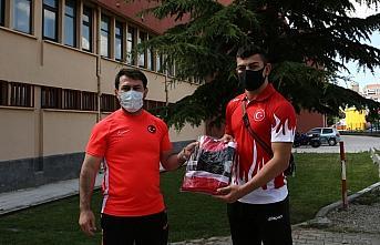 Serbest Güreş Milli Takımı Antrenörü Çakmar,...