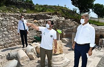 Vali Gürel, Hadrianoupolis Antik Kenti'nde incelemelerde...
