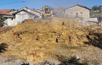 Amasya'da çıkan yangında yaklaşık bin balya saman...