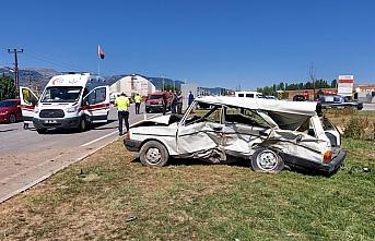 Amasya'da otomobil ile cip çarpıştı: 2 ölü, 4 yaralı