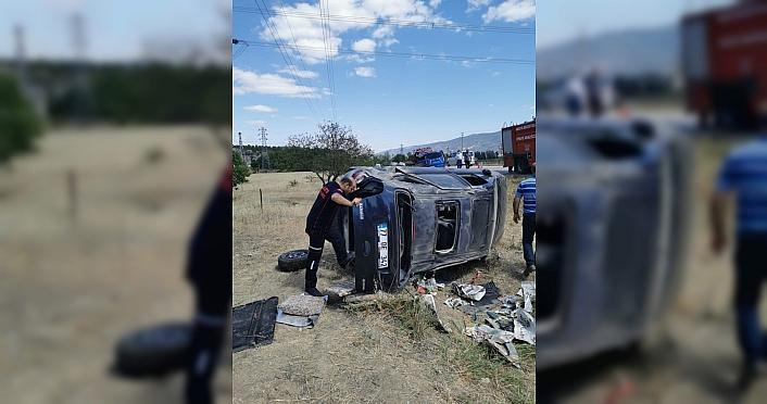 Amasya'da otomobil şarampole devrildi: 5 yaralı