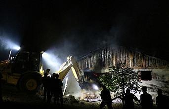 Bolu'da ahır yangınında 15 buzağı telef oldu