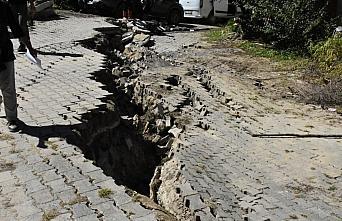 Çevre ve Şehircilik Bakanı Kurum selden etkilenen Avluca'da incelemelerini sürdürdü