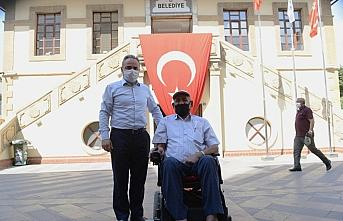 Engelli kişinin akülü sandalye talebi 2 saatte...