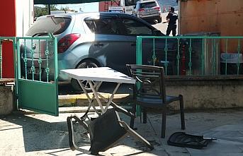 Kastamonu'da el freni tutmayan otomobil bankamatiğe...