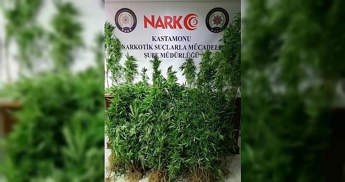 Kastamonu'da uyuşturucu operasyonunda yakalanan 2...