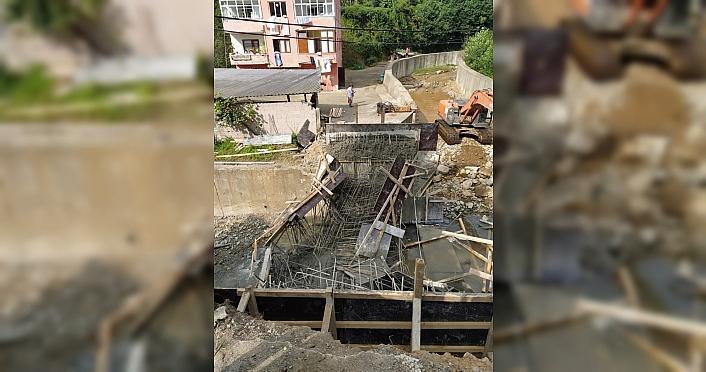 Rize'de inşaat halindeki köprü çöktü: 3 yaralı