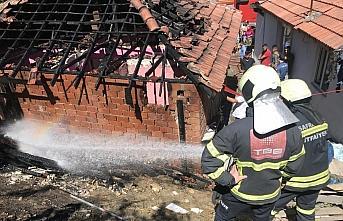 Safranbolu'da yangın çıkan ev kullanılamaz duruma...