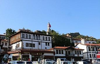 Tarihi Osmanlı kasabası Göynük'te bayram yoğunluğu
