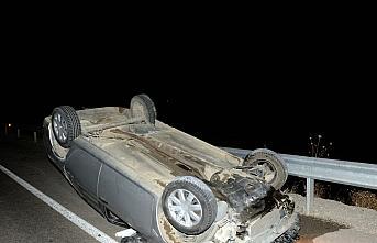 Tokat'ta devrilen otomobilin sürücüsü yaralandı