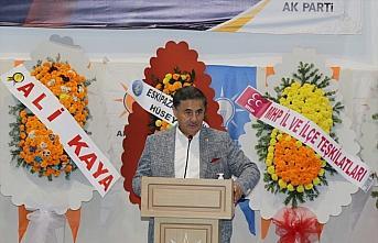 AK Parti'li Dağ, Karabük'te partisinin ilçe kongresinde...