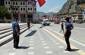 Amasya'da Kovid-19 tedbirlerine uymayan 535 kişiye 219 bin lira ceza kesildi