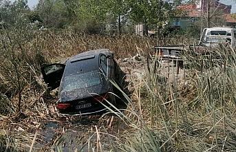 Arsaya giren otomobilin sürücüsü yaralandı