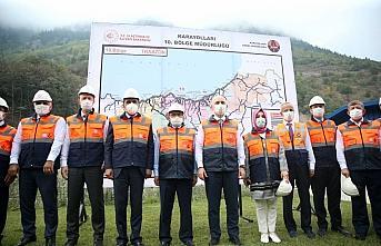 Bakan Karaismailoğlu, yeni Zigana Tüneli inşaatında incelemelerde bulundu: