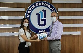Bartın Üniversitesi personeline başarı belgesi verildi