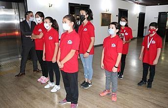 Bolu Valisi Ümit'ten, Teknofest'e katılan öğrencilere ödül