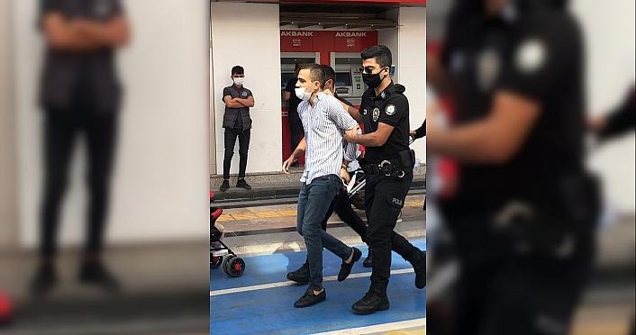 Düzce'de maskesini doğru takmayan ve zorluk çıkaran kişi polis merkezine götürüldü