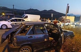 Ehliyetsiz sürücünün neden olduğu kazada 3 kişi...
