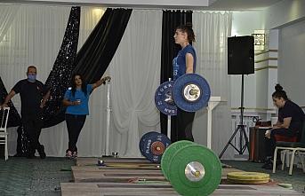 Erkek ve Kadın Halter Milli Takımları olimpiyatlara...