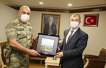 Erzurum 9. Kolordu Komutanı Tümgeneral Erhan Uzun Artvin'de