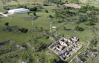 Hadrianaupolis'te Geç Kalkolitik döneme ait seramik...