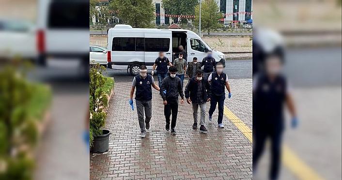 Karabük'te DEAŞ operasyonunda 4 yabancı uyruklu yakalandı