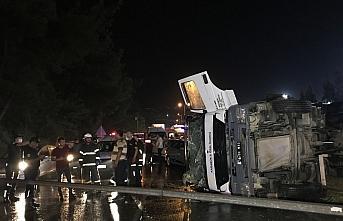 Karabük'te devrilen kamyonun sürücüsü yaralandı